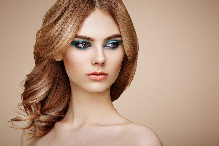 Maquillaje y peinados en Salón de Belleza Salones Mondame Tenerife Siam Mall
